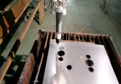 Chứng nhận bền cnc ngọn lửa / máy cắt plasma dễ dàng hoạt động ổn định xách tay cnc máy cắt plasma